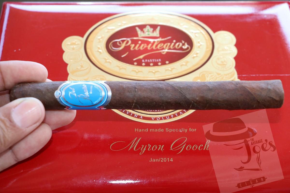 "R. Paxtian Del Paraiso Premium Line ""Esplendido"" Cigar Review."