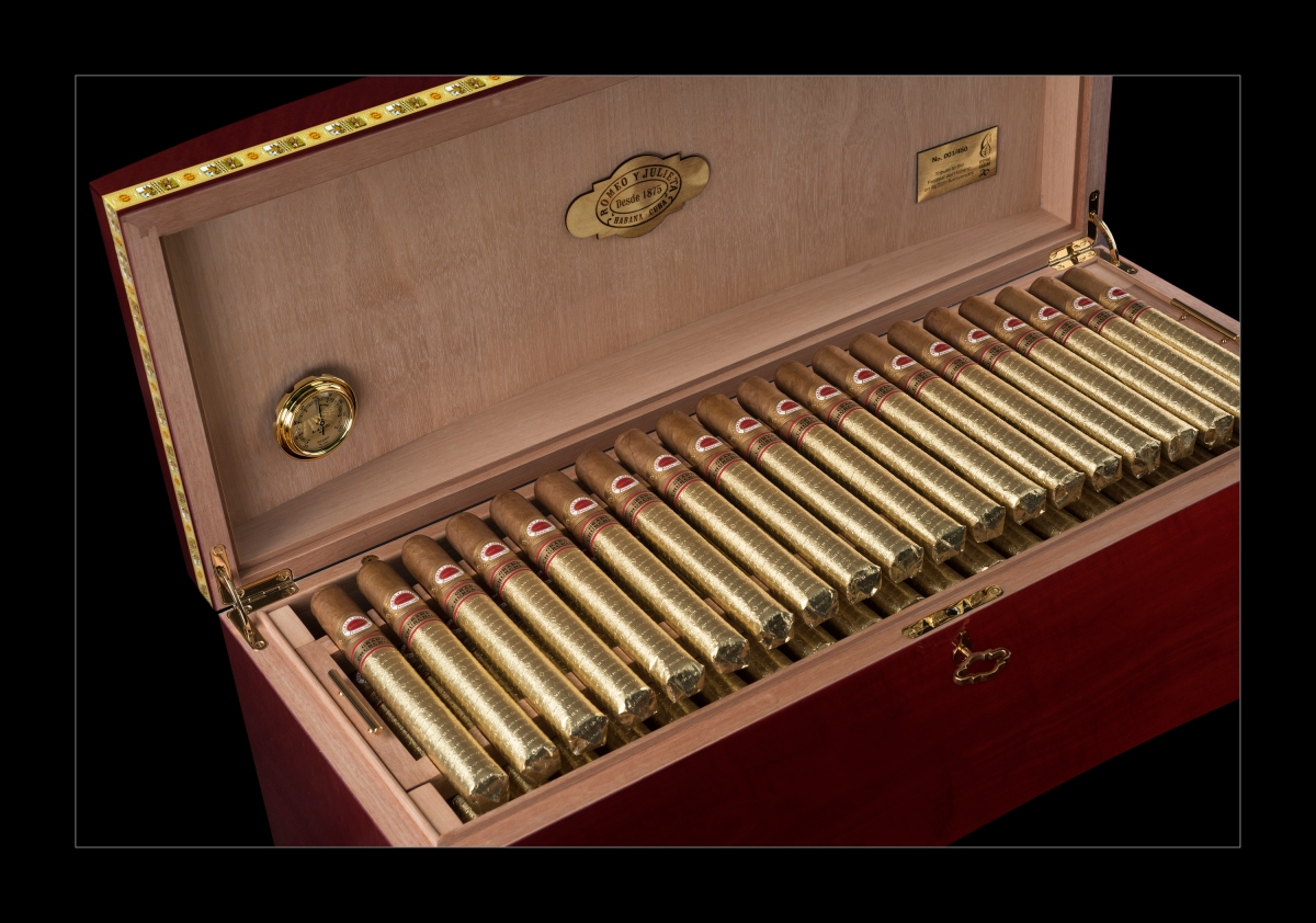 "News: Major Launches 2018 ""Romeo Y Julieta Grand Churchills Humidor"""